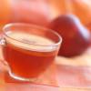 Холодный чайный напиток с яблоками