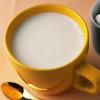 Добавлять молоко в чай вредно