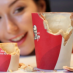 В KFC в Великобритании начали продавать кофе в съедобных стаканах