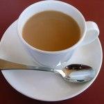 Чай с молоком — полезно или вредно?