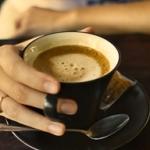 Сколько кофеина содержится в чашечке кофе?