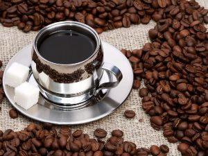 Кофе лучше ограничить, а энергетики - исключить!