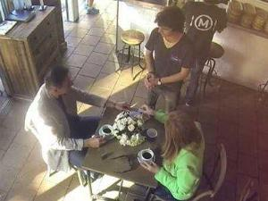 В Австралии есть кафе, где расплачиваются поцелуями