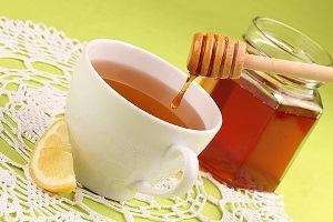 Пейте чай с медом для здоровья глаз