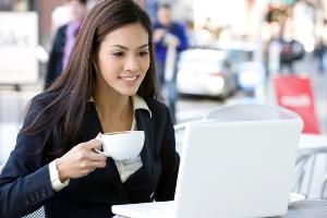 Работники офисов, пьющие кофе, легче поддаются внушению, чем любители чая