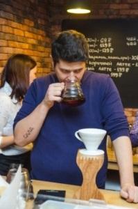 Молодежь будет ходить с кофе, а не с пивом