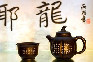 Китайцы покупают коллекционный чай и вино