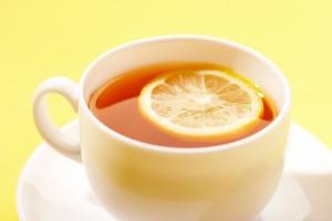 Некоторые специалисты считают, что лучше не пить чай
