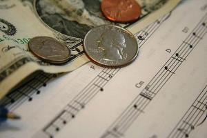 """McDonald's и """"Кофе-хаус"""" отказались платить за музыку"""