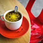 Диетологи бьют тревогу — кофе с маслом уже в Финляндии