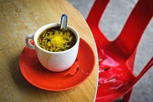 Диетологи бьют тревогу - кофе с маслом уже в Финляндии