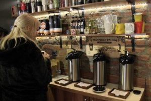 Сеть новосибирских кофеен сделала безлимитный кофе за 100 рублей